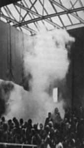 Een rookbom tijdens de IK 1970
