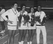 Rob, Marjan, Marja en Boudewijn bezorgen Duinwijck de 8ste titel